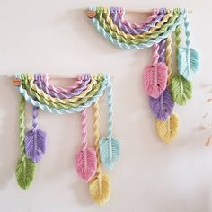~ Double sided feathers or one sided feathers.that is the question ~ 🤷♀️😆 ~ U n i c o r n ~ Rainbows available in my. Macrame Art, Crochet Videos, Ms Gs, Knots, I Shop, Crochet Necklace, Arts And Crafts, Photo And Video, This Or That Questions