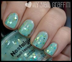 """this would also make an excellent st' patty's day mani: from amber at her """"mynailgrafitti"""" blogspot"""