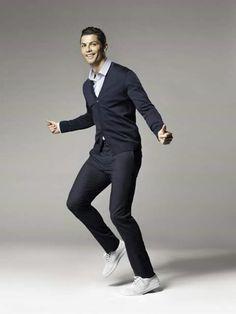 Cristiano Ronaldo Puts on Dancing Shoes Zinedine Zidane, Juventus Fc, Cristiano Ronaldo 7, Cr7 Ronaldo, Steven Gerrard, Chelsea Fc, Ac Milan, Tottenham Hotspur, Liverpool Fc