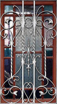 Steel furniture wrought iron design 28 new ideas Window Grill Design Modern, House Window Design, Grill Door Design, Gate Design, Wrought Iron Decor, Wrought Iron Gates, Iron Furniture, Steel Furniture, Iron Garden Gates