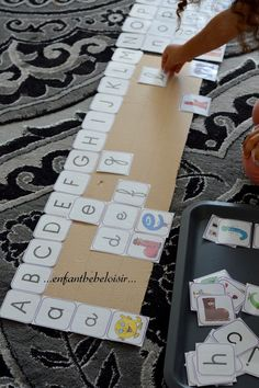 Alphabet Activities Kindergarten, Montessori Math, Craft Activities For Kids, Grande Section, Preschool At Home, Learning To Write, Wishes For Baby, Tot School, Kids Reading