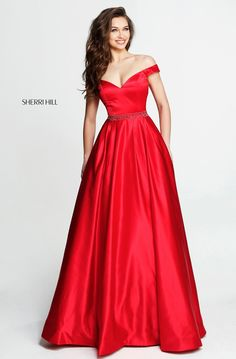 Shop prom dresses and long gowns for prom at Simply Dresses. Floor-length evening dresses, prom gowns, short prom dresses, and long formal dresses for prom. Sherri Hill Prom Dresses, Prom Dress Stores, Prom Dresses 2018, Dance Dresses, Trendy Dresses, Formal Dresses, Embellished Gown, Beaded Prom Dress, Mode Hijab
