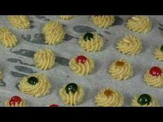 Pasticcini alle mandorle: tenerissimi biscotti di pasta di mandorla - dolci veloci e facili - YouTube Amaretti Cookies, Biscotti Cookies, Galletas Cookies, Italian Cookie Recipes, Italian Cookies, Italian Desserts, Nutella, Italian Christmas Cookies, Biscuits