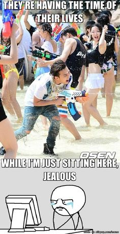 when I heard of GD's surprise appearance at the 'Water Fight in Ocean World' ..