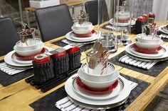 #kodin1 #anno #joulu #kattaus #astiat #ruokailutila Holidays And Events, Table Settings, Place Settings