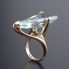 ALLAN ADLER Freeform asymetric aquamarine ring on LiveAuctioneers Contemporary Jewellery, Modern Jewelry, Jewelry Art, Jewelry Rings, Silver Jewelry, Jewelry Accessories, Fine Jewelry, Unique Jewelry, Bijoux Design