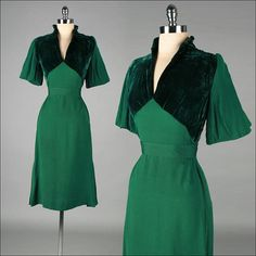 Emerald green pleated sleeves 1940s dress