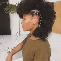 Afro natural hairstyleYou can find Natural hair accessories and more on our website. Sweet 16 Hairstyles, Girl Hairstyles, Night Hairstyles, 1950s Hairstyles, Hairstyles Videos, Dreadlock Hairstyles, Black Hairstyles, Medium Hair Styles, Curly Hair Styles