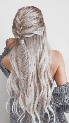 39 Gorgeous Winter Hairstyles For Long Hair intricate fishtail braided hairstyle perfect for winter silver hair color date night hair ideas valentine s day hair color goals hairstyles haircolor hair InterestingThings Graduation Hairstyles, Holiday Hairstyles, Easy Hairstyles, Wedding Hairstyles, Beautiful Hairstyles, Layered Hairstyles, Medieval Hairstyles, Date Night Hairstyles, Cute Fall Hairstyles