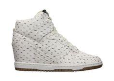 Nike Dunk Sky Hi Print Women's Shoe - 125  ...@Andrea Pena