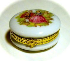 Vintage French Limoges Victorian Lovers France Trinket Box Peint Main Limoge