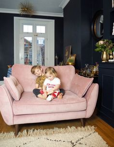 4 Reasons Why Everyone Needs A Cuddler Sofa In Their Home.(blush pink optional) — Gold is a Neutral Bedroom Sofa, Room Decor Bedroom, Sofa For Room, Small Couch In Bedroom, Pink Loveseat, Pink Sofa, Home Living Room, Living Room Decor, Kitchen Sofa