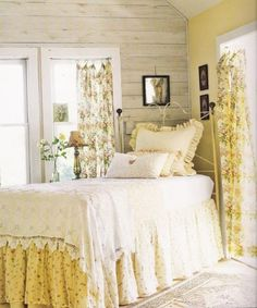 10 Mind Blowing Useful Tips: White Shabby Chic Curtains shabby chic home decorations.Shabby Chic Dining Cath Kidston shabby chic home decorations. Shabby Chic Curtains, Shabby Chic Bedrooms, Shabby Chic Homes, Shabby Chic Decor, Floral Curtains, Trendy Bedroom, Shabby Chic Yellow Bedroom, Drapes Curtains, Sheer Drapes