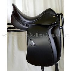 dressage-saddle-yarel-zaldi.jpg (600×600)
