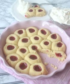hallongrottspaj3 Fika, Food Cakes, Birthday Celebration, Coffee Shop, Waffles, Biscuits, Cake Recipes, Birthdays, Pudding