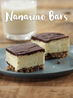 Looking for a good ol' Canadian recipe? Look no further. Watch below to see how simple these Nanaimo bars are and watch this easy dessert recipe fly off the tray at your next event.