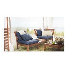 IKEA - ÄPPLARÖ, コーナーセクション 屋外用, お好きなユニットを自由に組み合わせて、自宅の屋外スペースにぴったり合ったソファコンビネーションをつくれますさまざまなサイズ、色、柄のクッションを組み合わせると、より快適な座り心地に。お好きなコーディネートで個性を演出できます耐久性を高めつつ、木材の自然な表情を楽しめるようにするために、家具の表面には半透明のウッドステインを施しています