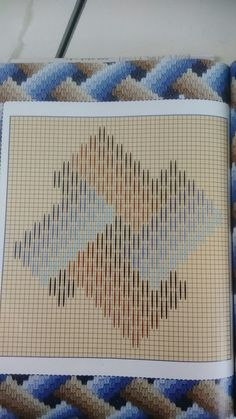 Broderie Bargello, Bargello Needlepoint, Needlepoint Stitches, Needlework, Hand Embroidery Flowers, Hand Embroidery Kits, Embroidery Patterns, Bargello Patterns, Loom Patterns