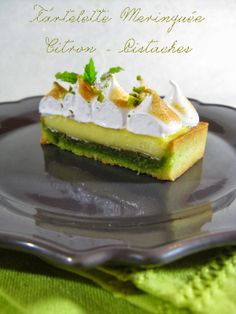 I repeat . well Throughout Lemon Meringue Tart - Pistachios French Desserts, Lemon Desserts, Mini Desserts, Tart Recipes, Sweet Recipes, Dessert Recipes, Cooking Recipes, Yummy Treats, Delicious Desserts