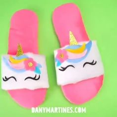 A pair of super cute unicorn slippers to add to your collection 💕 By: danymartines How To Make Slippers, Cute Slippers, How To Make Shoes, Foam Crafts, Craft Stick Crafts, Preschool Crafts, Decorating Flip Flops, Unicorn Fashion, Paper Crafts Origami