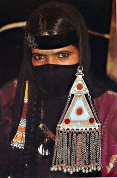 Dahm Bedouin woman from Rub al-Khali (between Yemen and Saudi Arabia)