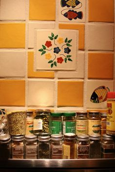 Kitchen backsplash - pretty tile details #Craftsman #home