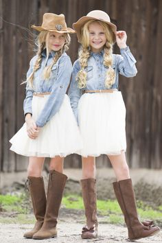 western style, denim and tulle, sisters, kids fashion, tween fashion, cowgirl style, cowgirl outfit, mini fashion addicts, sisters photoshoot, sisters photos, photoshoot ideas