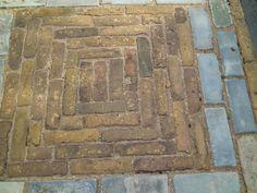 Aanbieding:Oude waaltjes brons type Nijmegen op pallet