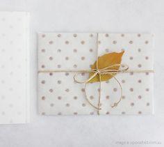 handmade kaishi mizutama (polka dots) - shop - upon a fold Present Wrapping, Creative Gift Wrapping, Creative Gifts, Wrapping Ideas, Creative Ideas, Paper Packaging, Pretty Packaging, Gift Packaging, Wraps