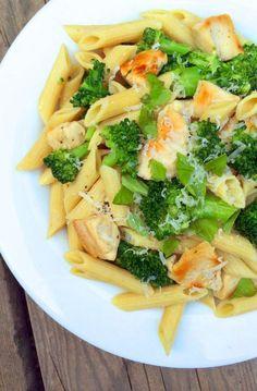Chicken Broccoli Pasta with Lemon Butter Sauce - a healthy chicken dinner recipe Pasta Recipes, Chicken Recipes, Dinner Recipes, Cooking Recipes, Healthy Recipes, Paleo Pasta, Quinoa Pasta, Veg Recipes, Healthy Chicken