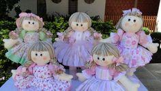 Lindas bonecas de pano.