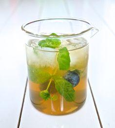 Gee Tee eli giniä vihreällä teellä