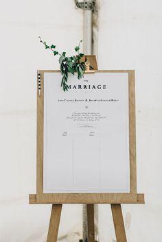 unique wedding guestbook diy idea Wedding Guest Book, Farm Wedding, Wedding Bells, Wedding Engagement, Diy Wedding, Wedding Ideas, Bridesmaid Duties, Paper Lace, Vintage Farm