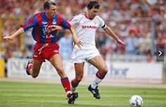 Crystal Palace player Alan Pardew challenges Bryan Robson during the 1990 FA Cup final between Crystal Palace and Manchester United at Wembley. Marco Van Basten, Jamie Redknapp, Kevin Keegan, Mark Wright, Grand National, Old Trafford, Chelsea Fc, Fc Barcelona, Chelsea