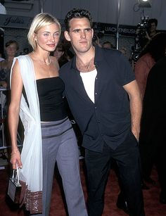 Brad Pitt and Gwyneth Paltrow. Tom Cruise and Nicole Kidman. Cindy Crawford and Richard Gere. These are 90's couples we will never forget, but what about the ones that were a big deal way back when and are all but forgotten now? These relationships happened and they mattered, ok?