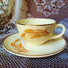 Homer Laughlin Golden Wheat 22k Gold Rim Cup \u0026 Saucer Set Old Retro Vintage 1940s 1950s & Homer Laughlin Golden Wheat Tea Cup Saucer Sets TWO in Pottery ...