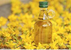 Sarı Kantaron Yağı Faydaları Nelerdir ? Nasıl Kullanılır ? Sarı kantaron yağı, kantaron çiçeklerinden elde edilen bir yağdır. Alternatif tıpta birçok hastalığın tedavisinde kullanılan ve evde de kolayca hazırlanabilen bir yağ çeşididir. Sarı Kantaron Yağı Nasıl Hazırlanır? Sarı kantaron çiçekleri güneşli bir havada toplanır. Toplanan çiçekler ezilerek bir kavanoza doldurulur ve üzerine çiçeklerin üzerini örtecek kadar zeytinyağı eklenir. Hazırlanan bu karışım bir hafta kadar kapağı açık…