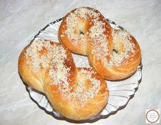 Romanian Food, Dessert Recipes, Desserts, Croissant, Bagel, Good Food, Food And Drink, Bread, Fine Dining
