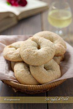 Italian Cookie Recipes, Italian Cookies, Italian Desert, Bread Recipes, Vegan Recipes, Brownie Cookies, Charcuterie, Bagel, Pesto