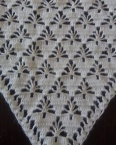 Beginner's Guide to Thread Crochet Crochet Shawl Free, Crochet Baby Dress Pattern, Crochet Diagram, Filet Crochet, Crochet Stitches Patterns, Thread Crochet, Crochet Designs, Christmas Crochet Blanket, Hand Embroidery Videos