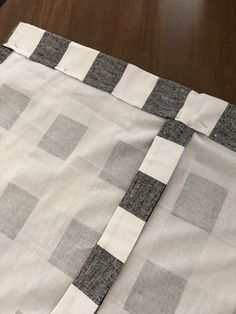 31 Ideas For Farmhouse Style Kitchen Curtains Burlap Valance Roll Up Curtains, Tie Up Valance, Camper Curtains, Swag Curtains, Rustic Curtains, Valances, Shower Curtains, Farmhouse Style Kitchen Curtains, Valance Patterns