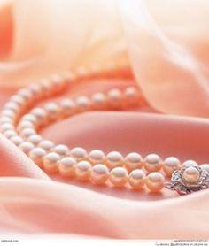 Che bello questo bracciale di un colore molto intenso il rosa, rosa salmone? o rosa normale ?