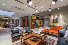 Unique Sofas, Rooftop Patio, Apartment Interior, Patio Design, Amazing Architecture, Park, Living Room, Studio, Table