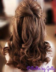 weddinghairbymomorad Half up simple bridal updo with soft curls for a winter wedding