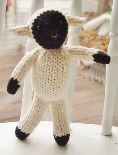 Tahlia the Sheep knitting pattern PDF. $3.50