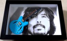 Dave Grohl - Miniatura Guitarra Gibson DG 335