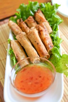 Lumpiang Shanghai (Filipino Spring Rolls) - Salu Salo Recipes Lumpiang shanghai is a type of Filipino spring roll that uses ground pork as the main ingredient. This dish is popular to serve in any Filipino party. Filipino Dishes, Filipino Recipes, Asian Recipes, Ethnic Recipes, Filipino Food, Lumpia Recipe Filipino, Comida Filipina, Pork Spring Rolls, Pork Recipes