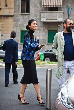damn I still love that SportMax jumper. #CarolineIssa in Milan.