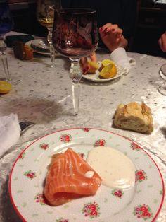 En entrée ce sera saumon fumé accompagné de crème fraîche. Un classique toujours aussi bon !