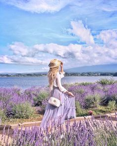 Shooting photos with lavender was my dream for years, finally could find this scenery in JapanAlso you can see Mount Fuji when it's… Girly Pictures, Pictures Of People, Beautiful Pictures, Portrait Photography, Fashion Photography, Landscape Photography, Photography Ideas, Travel Photography, Valensole